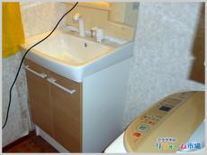 使い慣れたミラーキャビネットで洗面化粧台のみのリフォーム