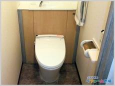 スタイリッシュな収納キャビネット付トイレへリフォーム