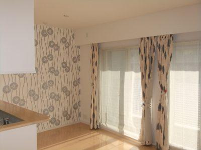 川崎市中原区マンションにてお部屋の一部をアクセントクロスにしたリフォーム事例