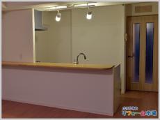 統一感のある開放的なキッチンカウンター