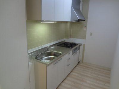 横浜市マンションにて賃貸用物件のキッチンリフォーム事例