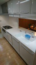 横浜市マンションにて人気のタカラ高品位ホーローシステムキッチンでの台所リフォーム事例