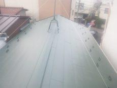 横浜市瀬谷区戸建にて人気のガルバリュウム鋼板を使用した屋根カバー工法の屋根リフォーム事例