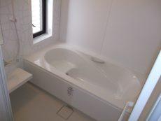 横浜市青葉区戸建にて人気のLIXILアライズでのお風呂リフォーム事例
