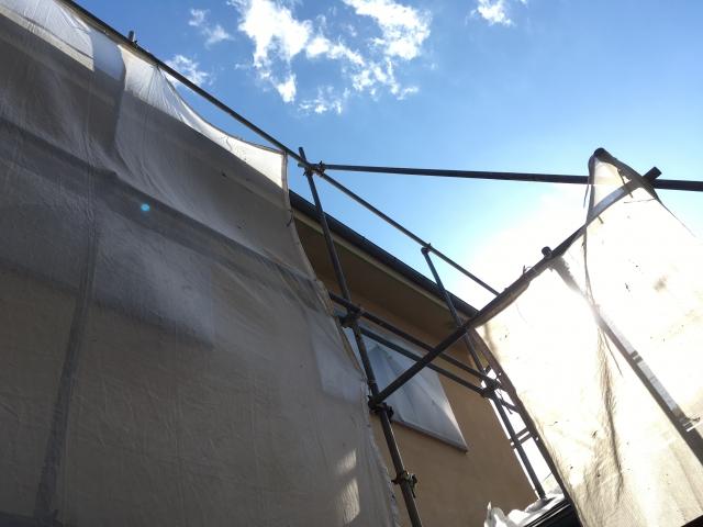 外壁はひび割れが起こる前に塗装すべき