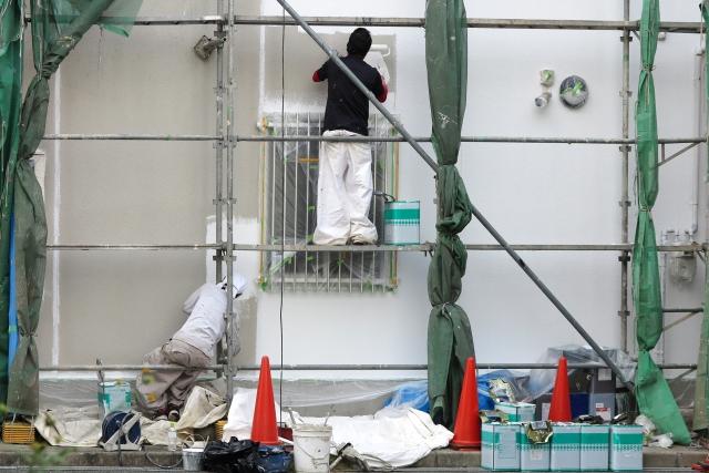 外壁塗装に使う弾性塗料の工法種類